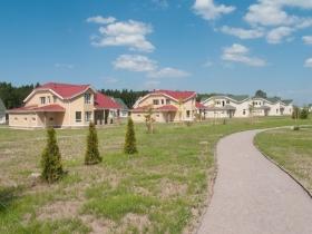 Завершено строительство певой очереди коттеджного комплекса «Петергоф-сити»