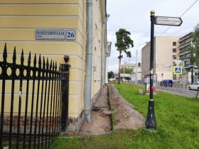 Продолжаются работы по реставрации фасадов ФТИ им. Иоффэ